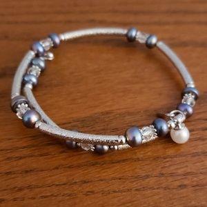 Vantel pearls Still of the Night wrap bracelet